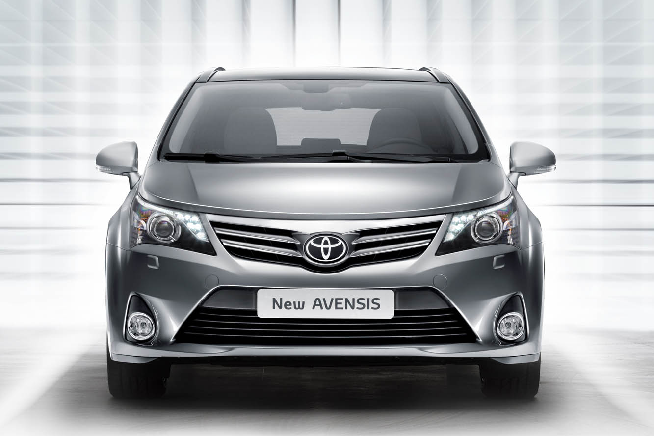 toyota avensis 2012. Black Bedroom Furniture Sets. Home Design Ideas